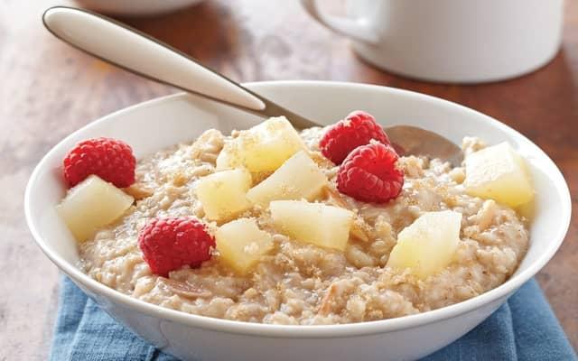 Vanilla-Pear Breakfast Oatmeal